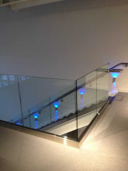 Glass Guard rail no top cap opp